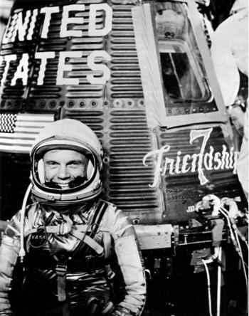John Glenn juto al Friendship 7