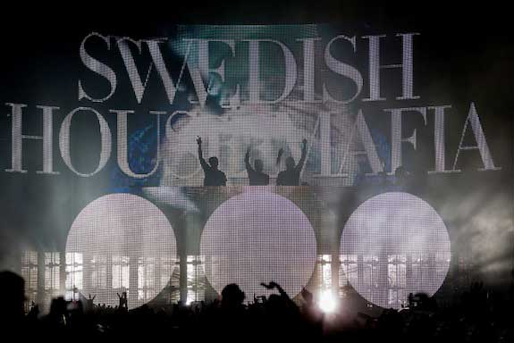 Swedish House Mafia - Don't You Worry Child