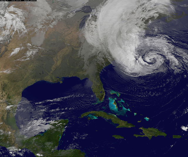 huracán Sandy, satélite GOES 29-10-2012 00:15 UTC