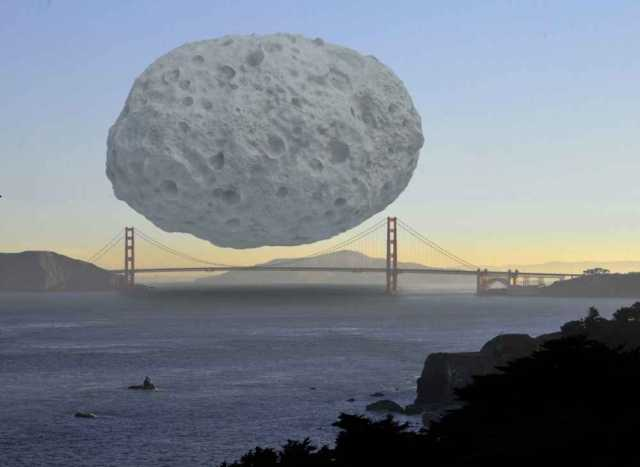 Perspectiva de un asteroide y el Golden Gate