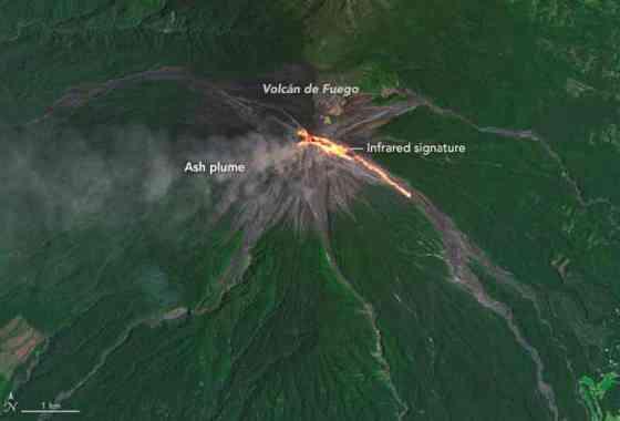 Flujo de lava en el Volcán de Fuego