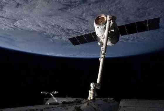 La cápsula Dragon de SpaceX llega a la Estación Espacial