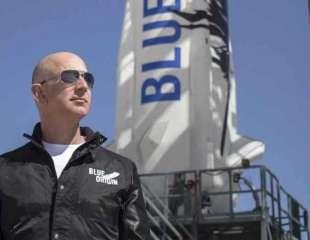 Bezos, el hombre más rico de la Tierra, preparado para viajar al espacio