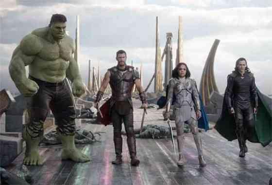 """El nuevo trailer de """"Thor: Ragnarok"""" es un infierno muy divertido"""