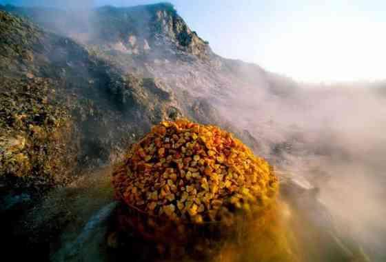 Un súper volcán italiano durmiente ruge más cerca de la erupción