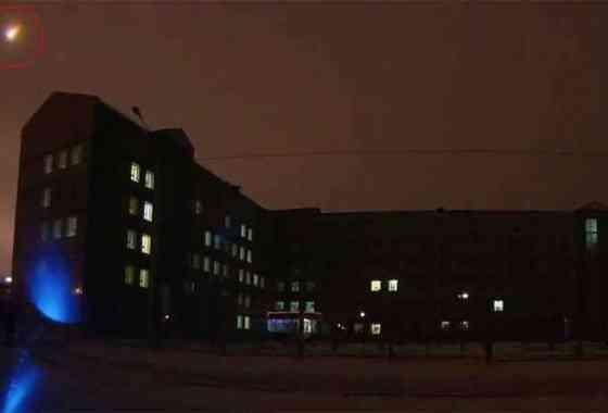 Meteorito explota sobre Siberia convirtiendo la noche en día