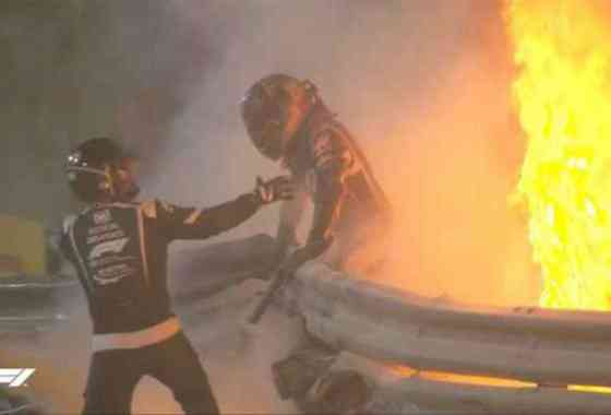 Piloto de Fórmula 1 escapa milagrosamente vivo tras incendiarse su coche