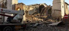 El terremoto más fuerte de Italia en 35 años derriba catedral benedictina