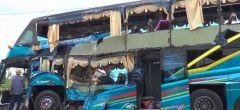Tren choca con un autobús en Tailandia