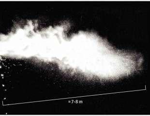 Mantén más distancia: Las gotas que transportan el coronavirus pueden viajar hasta 8 metros