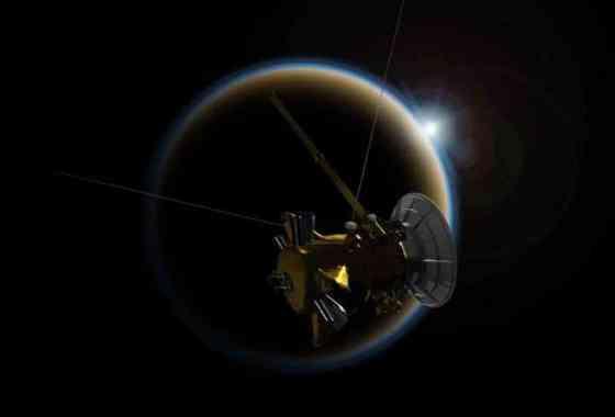 Cassini hace su 'beso de despedida' en sobrevuelo de Titán