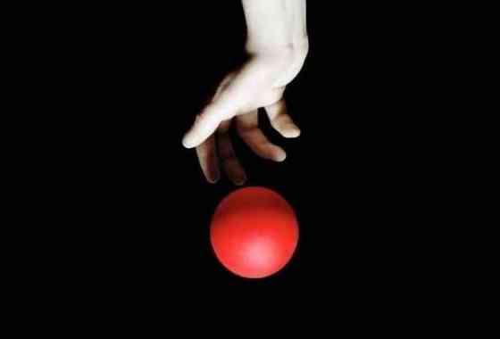 Divertido vídeo muestra lo que sucedería si dejaras caer una pelota en diferentes planetas
